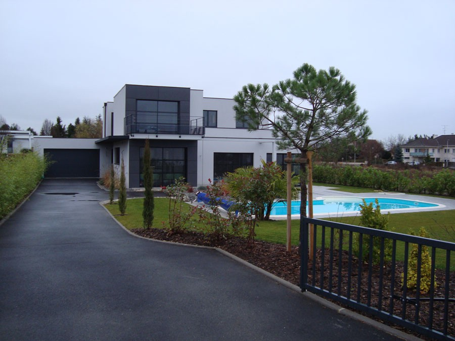 Am nagement autour de maison contemporaine cr ation de for Jardin maison contemporaine