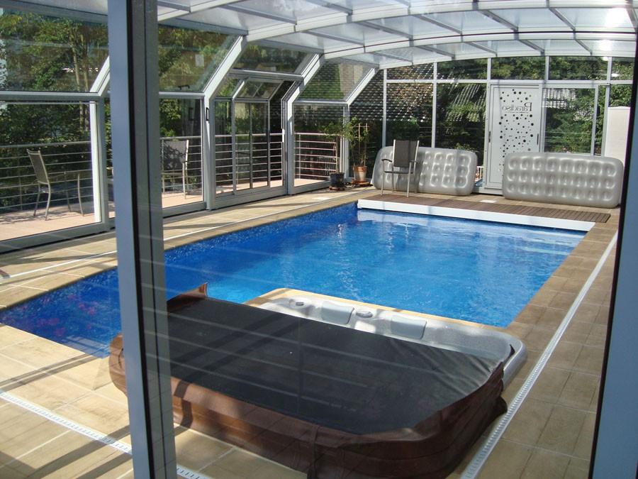 Piscine et spa couverte haut rhin piscine for Entretien jardin haut rhin